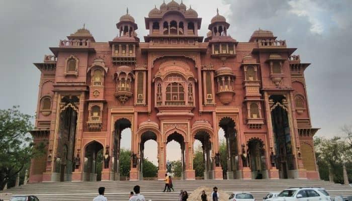 Jawahar Circle Patrika Gate Places To Visit in Jaipur