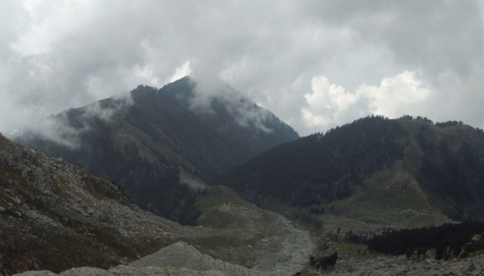 Indrahar Pass places to visit Himachal Pradesh